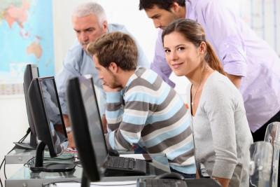 Normas para empleados que llevan redes sociales de empresa